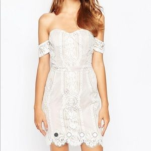 NEW ADELYN RAE NUDE WHITE LACE OFF SHOULDER DRESS